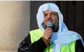 Under demonstrasjon, men det jeg vil kalle dupatta, sjal pakistanske kvinner bruker.