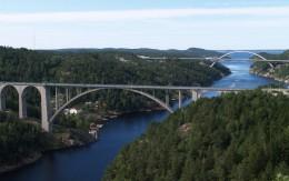 Den gamle og nye broen over Svinesund. Med eller uten det røde passet?