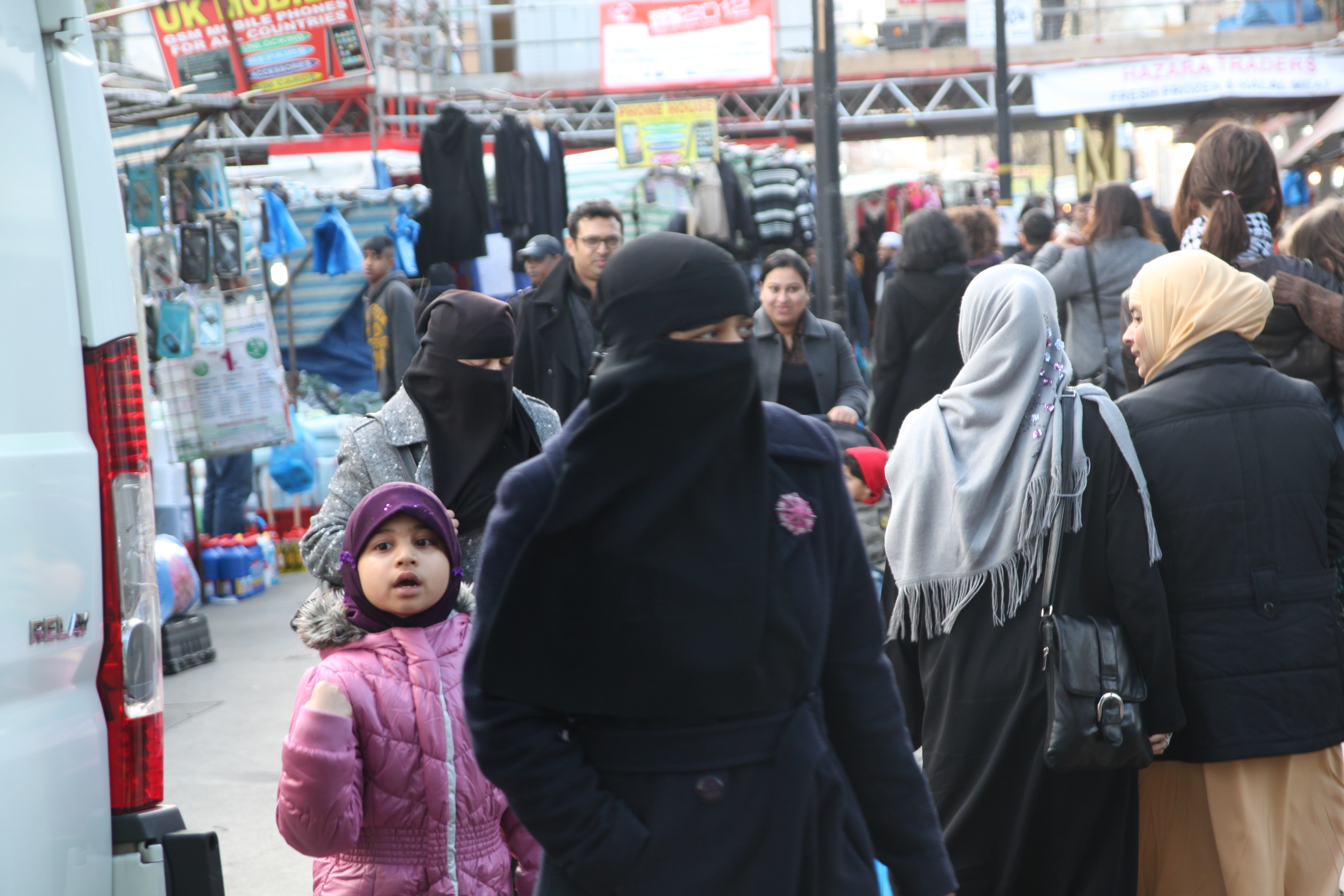 Britisk jente (5) tvunget i fosterhjem med fostermor i nikab