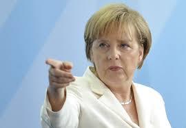 Angela Merkel presses fra flere hold.
