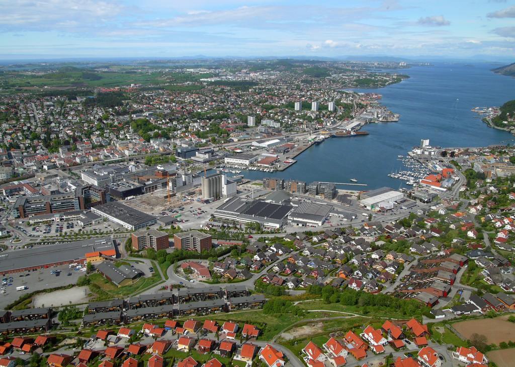 Stavanger/Sandnes med 207.439 innbyggere.