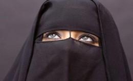 -Alle kvinner bør ikle seg hijab