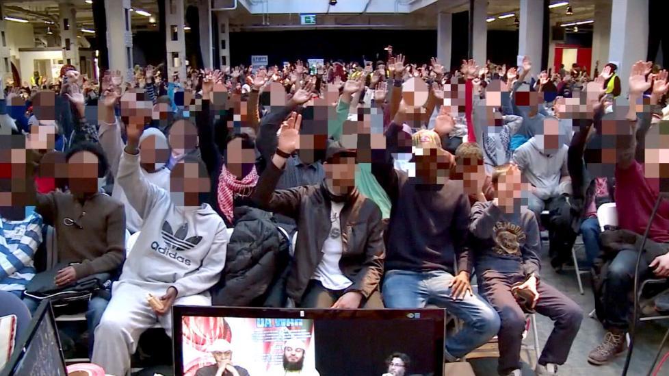 """Selvsagt støtter vi sharialovverk! Islam Nets konferanse for """"vanlige muslimer"""", som det het."""