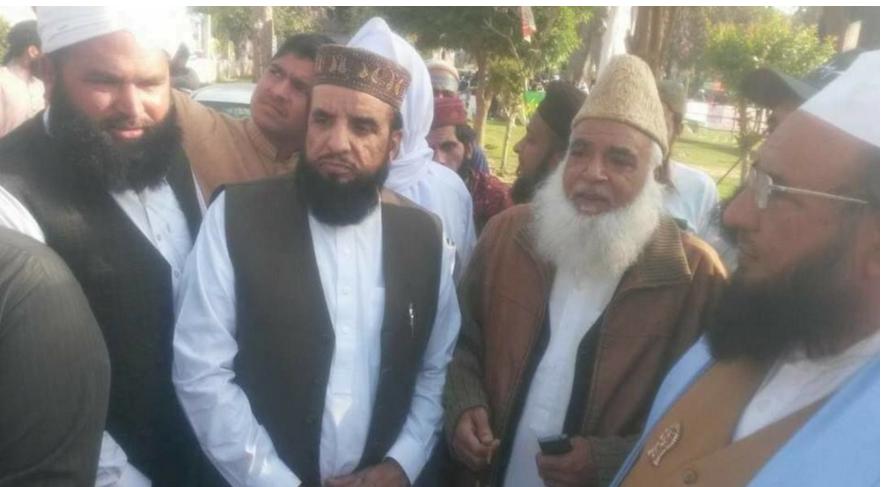 """Ali Shah blant sine brødre i Pakistan for å støtte terrorist. Ikke lett å vite hvem som er """"norsk"""" og hvem som er pakistaner her."""