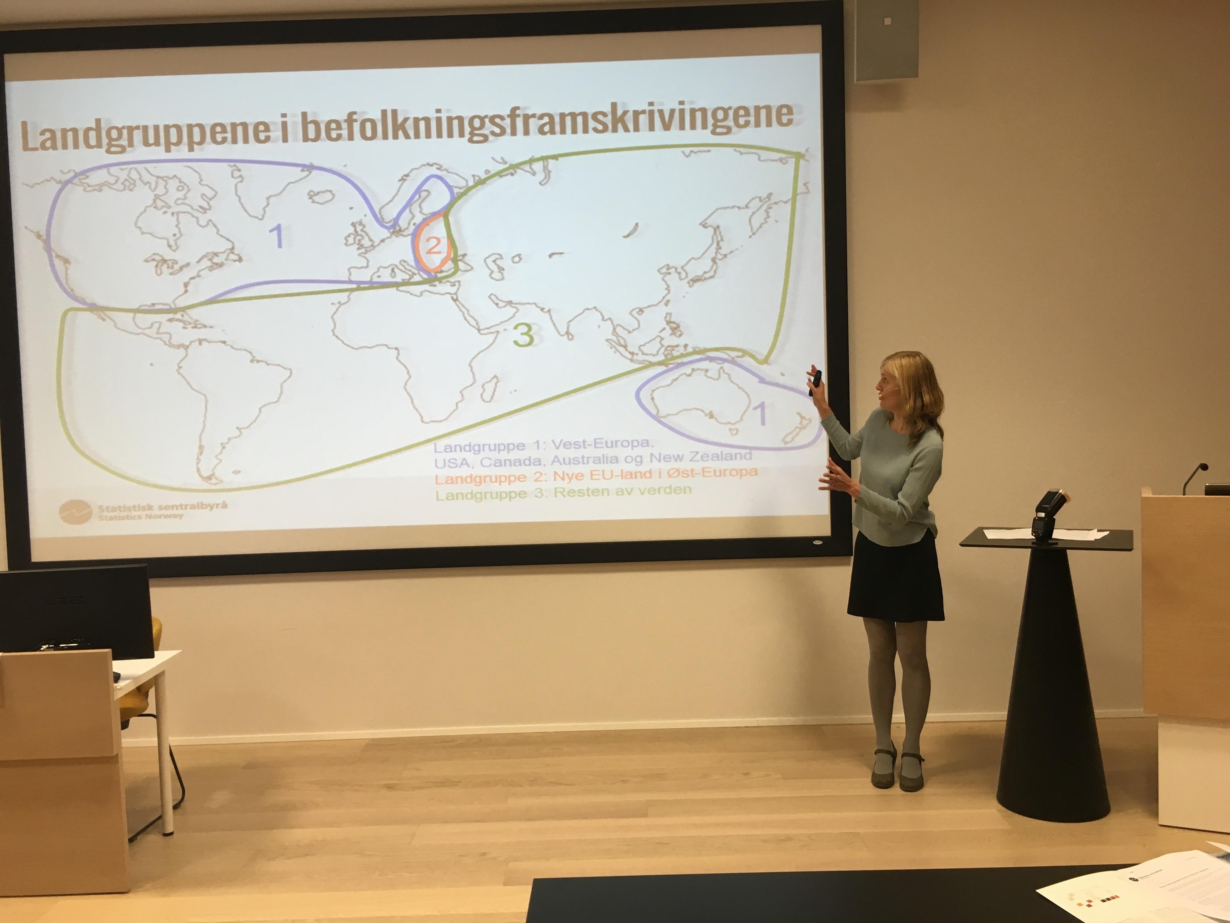 SSBs Marianne Tønnesen presenterer innvandringstallene i årets befolkningsframskriving