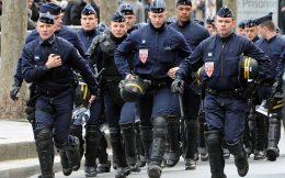 Frankrike: På randen av borgerkrig