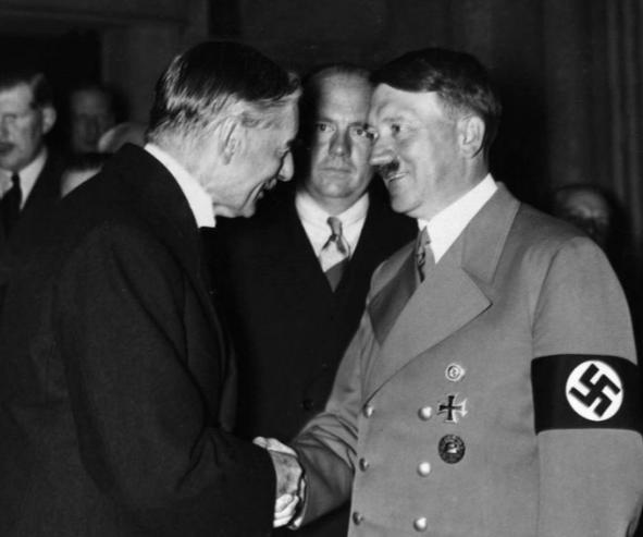 Chamberlain hadde tro på avtaler med Hitler.