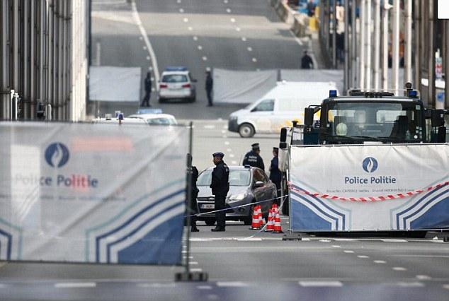 Brussel forbinder vi liksom ikke med machete.