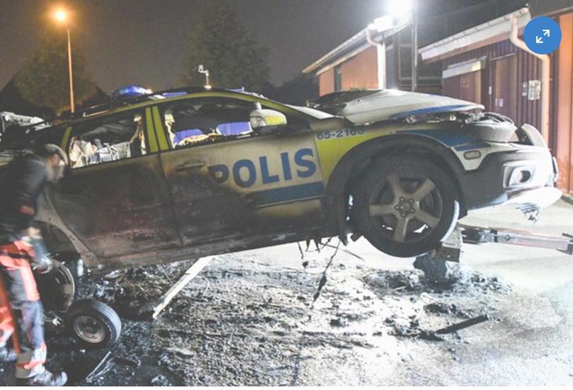 Bombeeksplosjon i politisjefens bil