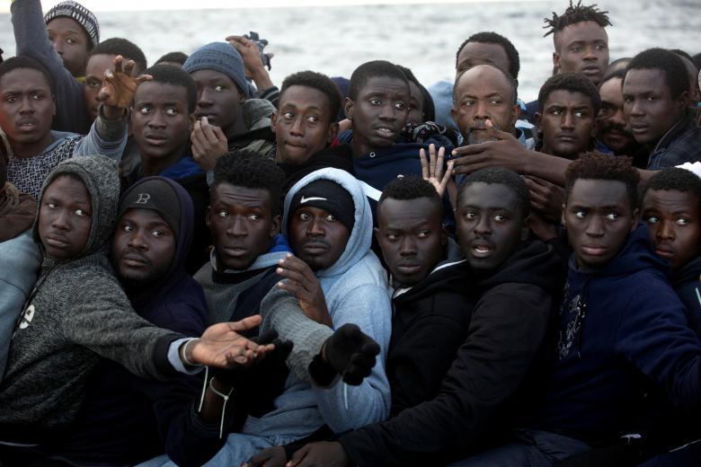 -Åtte til ti millioner migranter klar for å ta seg til Europa