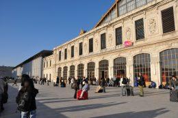 Turister angrepet med syre i Marseille