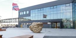 Trussel om skoleskyting i Bodø – væpnet politi pågrepet tre menn