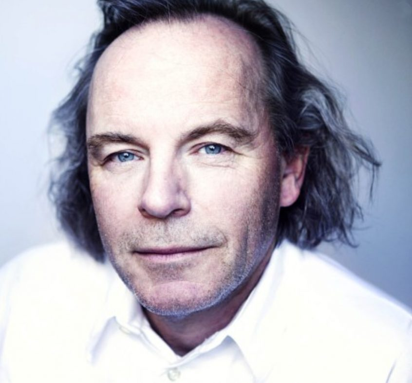 Professor med eksplosiv bok om Norges skjebnetid