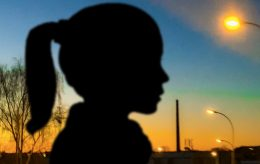 Jente (14) føder barn, og svensk (!) rett idømmer voldtektsmannen foreldreansvaret alene