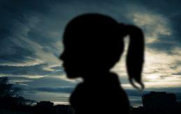 NY NORSK VIRKELIGHET (3): Voldtatt jente (12). FrP med glimrende forslag