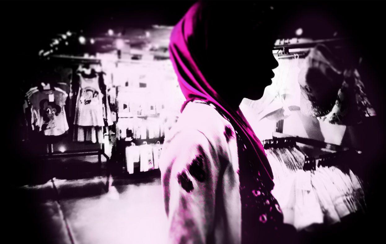 16-årig jente og flyktning får skytetrening for å integrere seg