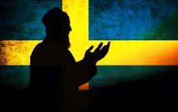 Islamiseringen fortsetter: Kvinnelig politiker tvunget ned i kjelleren i moské