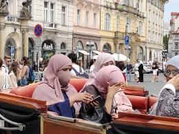 Tsjekkias statsminister spår muslimsk flertall i Nederland i 2044, i Sverige i 2065