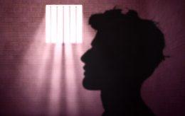 Drepte kona og sønn, dømt til 19 års fengsel