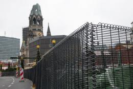 Terrorens tid: Julemarked bak barrikader
