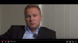 Black Box med filmopptak av en naken Helge Lurås