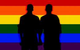 «Lite å være redd for», sier redaktør om steining av homofile og hijabtvang