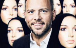 Lysbakken i ferd med å islamisere SV og frata jenter frihet