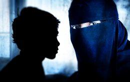 Veldig lav risiko, sier terrorforsker, mens PST sikter norsk IS-kvinne