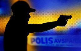 Gjengkriminell anmelder politiet for trakassering