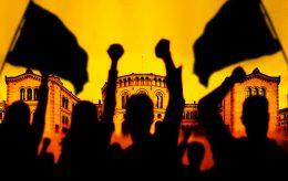 De gir seg ikke på hakka møkka: Demokratiet trues av aktivister