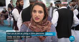 Er det OK at NRKs reporter dekker seg til foran kameraet i Norge?