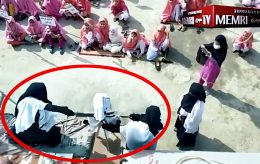 Halshugget Macron-dukke på jenteskole i Pakistan